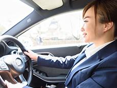 乗車している人の姿勢、行動を検知