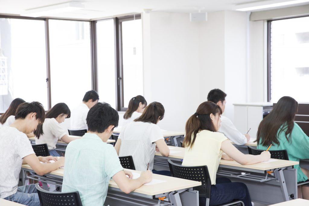 学生の集中力を測定、学習環境を改善
